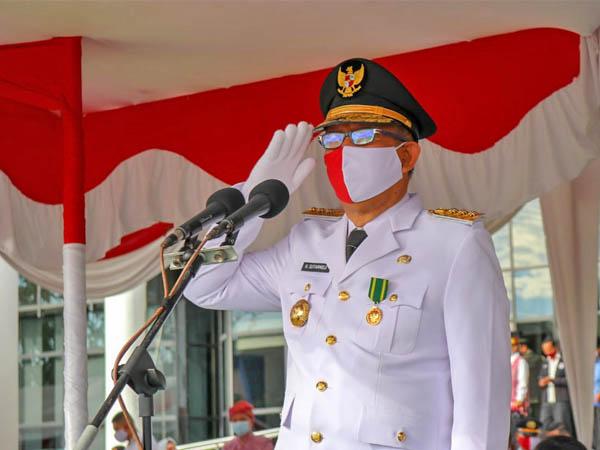 Gubernur Kalimantan Barat, Sutarmidji saat menjadi inspektur upacara peringatan HUT ke-75 RI