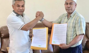 Teken Kontrak Politik, Haji Lakok Alihkan Dukungan ke Martin-Farhan 4