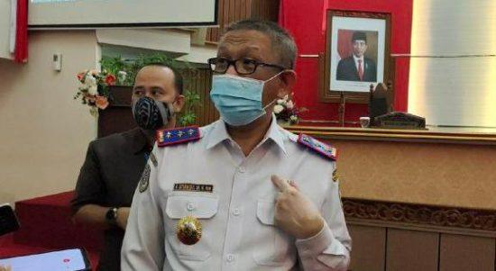 Gubernur Kalbar, Sutarmidji saat diwawancarai wartawan di Pontianak