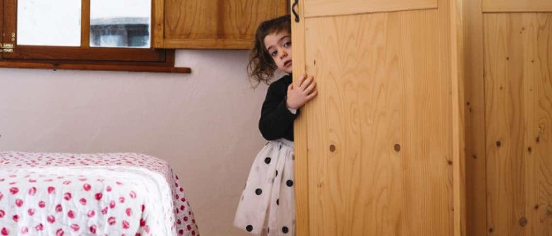 Ini Perbedaan antara Anak Introvert dan Pemalu
