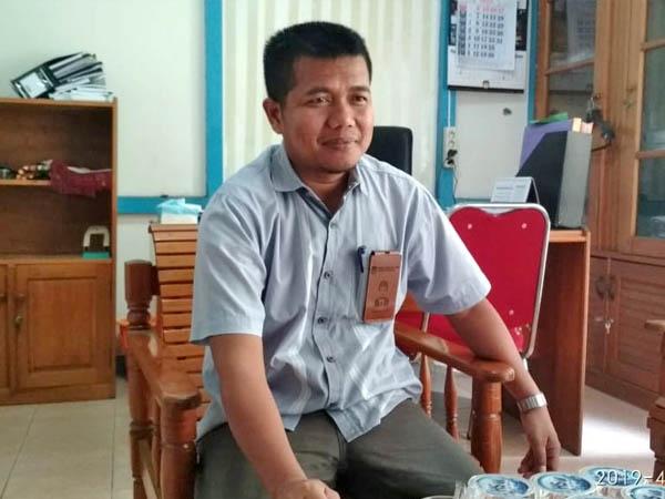 Ketua KPU Ketapang, Tedi Wahyudin saat diwawancarai awak media