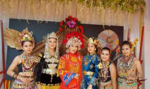 Lestarikan Adat dan Budaya Tidayu, Pemkab Sintang Gelar Pameran Pakaian Pengantin Secara Virtual 1