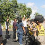 Personel Polres Ketapang Amankan Ricuh Massa di Kantor KPU 18