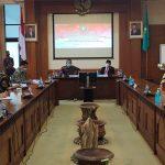 Gubernur Kalbar, Sutarmidji dan Anggota Komisi II DPR RI, Cornelis duduk semeja bahas penyempurnaan Undang-undang pembentukan Provinsi Kalbar