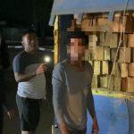 Polda Kalbar Amankan Truk Bermuatan Ratusan Kayu Illegal 13