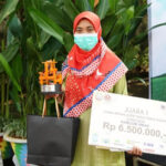 Desain Corak Insang Kekinian Antarkan Ratih Juara Pertama Kreasi 7