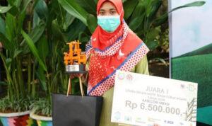 Desain Corak Insang Kekinian Antarkan Ratih Juara Pertama Kreasi 1