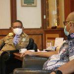 Gubernur Kalbar, Sutarmidji berdialog dengan Wakil Ketua Komisi V DPR RI, Syarif Abdullah Alkadrie