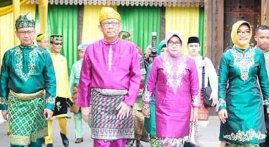 Gubernur Sutarmidji dan istri saat menghadiri perayaan Hari Jadi Pontianak ke-248