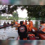 Hari Ketiga Pencarian Bocah 5 Tahun yang Tenggelam di Sungai Sekadau 5