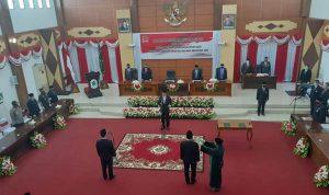 Ketua DPRD Kapuas Hulu Lantik Dua Anggota DPRD PAW 2
