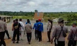 Polisi Olah TKP Perusakan dan Penjarahan PT SRM oleh Massa 4
