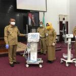 Sutarmidji Serahkan Bantuan Ventilator untuk Sejumlah Rumah Sakit di Kalbar 4