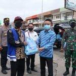 Edi Kamtono Salurkan Bantuan Beras PPKM Darurat Bagi Warga yang Terdampak Langsung