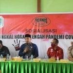 Wakil Bupati Kapuas Hulu, Wahyudi Hidayat memberikan sambutannya saat membuka sosialisasi tangkal hoaks yang digelar Pernis KH