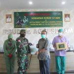 Berikan Motivasi, Danrem Berbagi Kasih Bersama Nakes dan Dokter RSUD dr Agoesdjam Ketapang