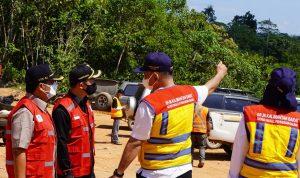Bupati Sis Dampingi Kunker Ketua Komisi V DPR Tinjau Jalan Paralel Lintas Timur