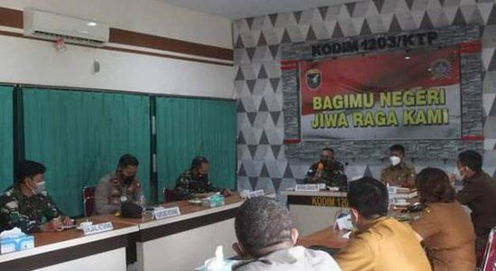 Kapoksahli Kodam Xll/Tanjungpura Sosialisasikan PPKM Mikro di wilayah Kodim 1203/Ktp