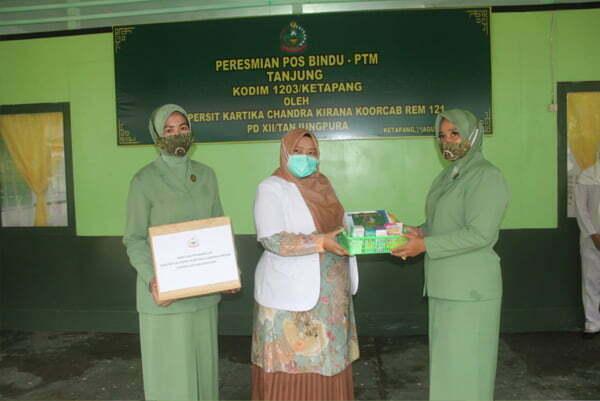 Ketua Persit KCK Koorcab Rem 121 Resmikan Posbindu PTM Tanjung Kodim 1203 Ketapang