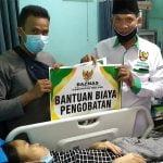 BAZNAS Melawi Santuni Rosnawati Penderita Lumpuh