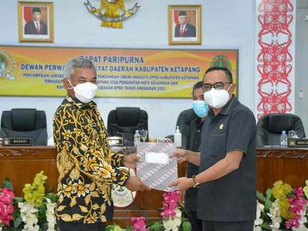 Bupati Martin Rantan Jawab Pandangan Umum DPRD Ketapang