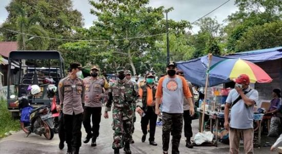 Korban Banjir Kecewa, Bupati Melawi dan Forkopimda Datang Tanpa Bawa Bantuan