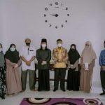 Wabup Farhan Serahkan Bantuan Beasiswa ke Al-Azhar Mesir untuk Santri Ponpes Darul Fadhilah