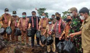 Wabup Subandrio Launching TPA Desa Sungai Ayak Dua